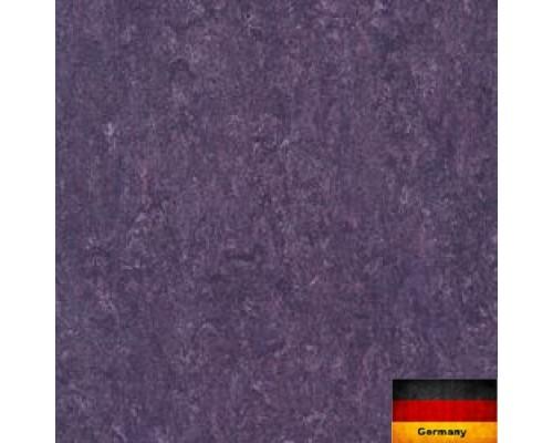Линолеум натуральный Armstrong Marmorette 121-128 violet