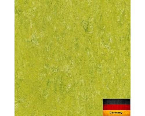 Линолеум натуральный Armstrong Marmorette 121-132 lime green
