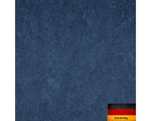Линолеум натуральный Armstrong Marmorette 121-149 dark blue