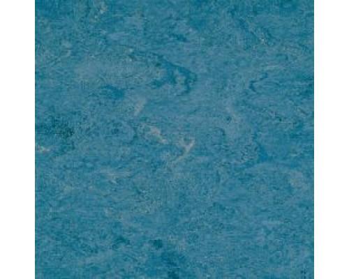 Линолеум Armstrong Marmorette 121-026 sky blue
